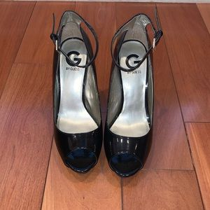 Black patent leather Guess heels